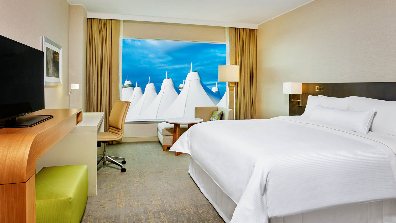 Denver Airport Lodging - Business Class Guestroom