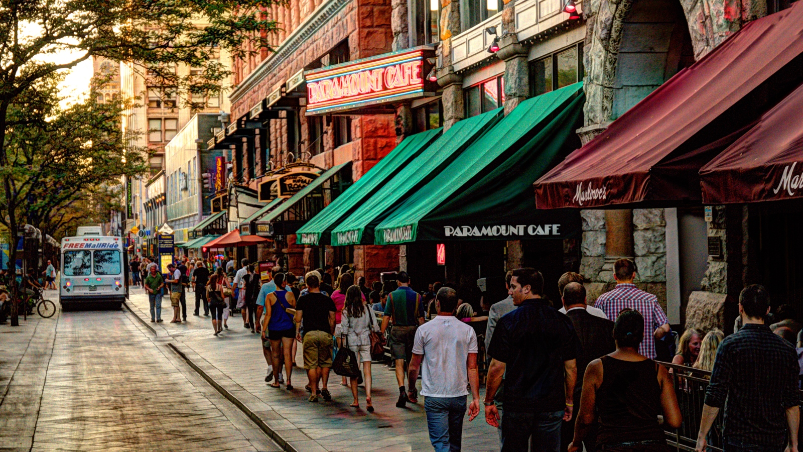 Things to Do in Denver - 16th Street Pedestrian Mall