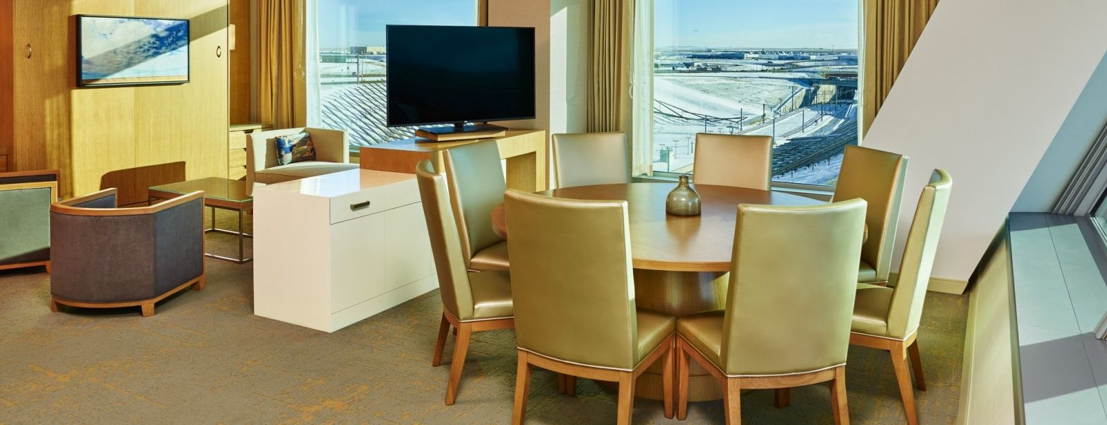 Denver Airport Lodging - Hospitality Suite - The Westin Denver International Airport